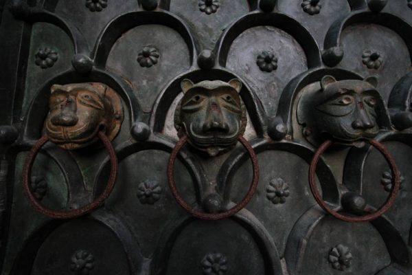 Dettagli di portone veneziano