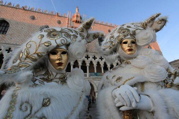 maschere bianco e oro