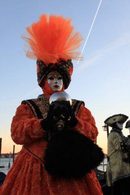 maschera arancione