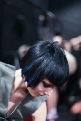 capelli blu e neri