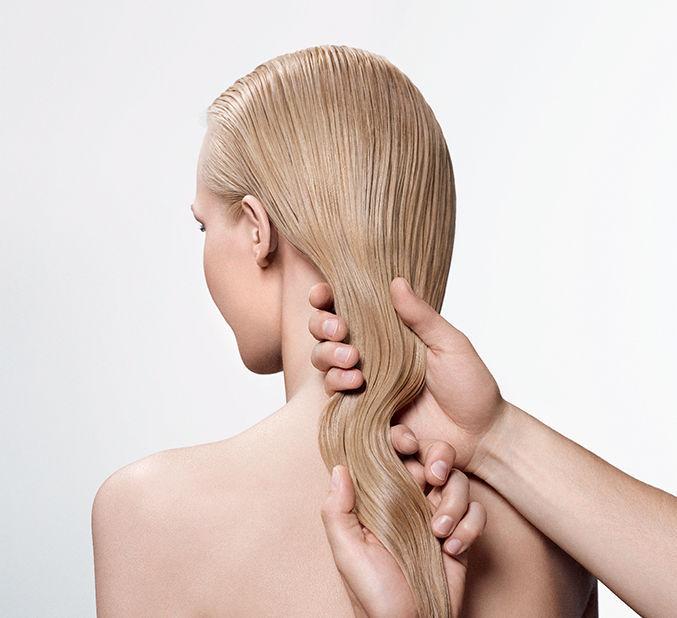 Maschere per capelli su uova di quaglia
