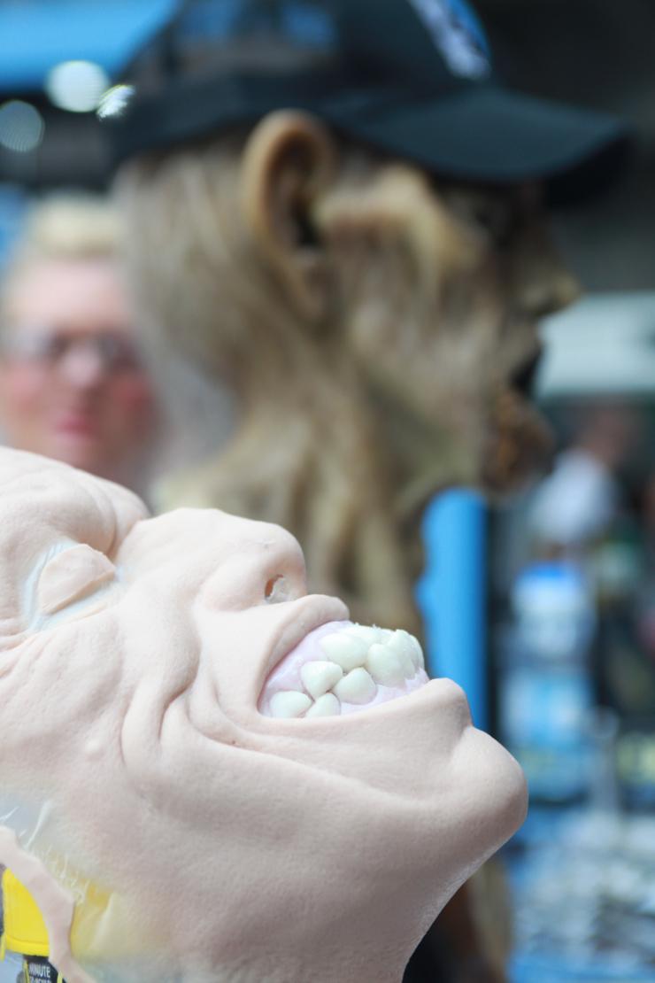 maschera con denti