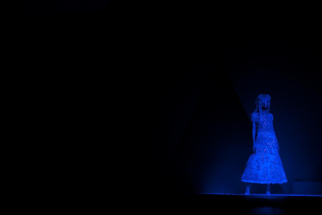 luci blu vestito glitter