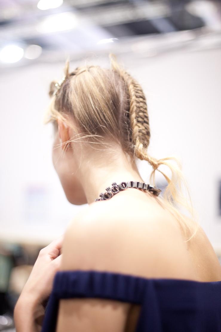 treccia capelli biondi